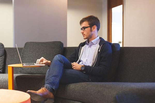 職場で嫌われてもいいと感じる5つのわけ