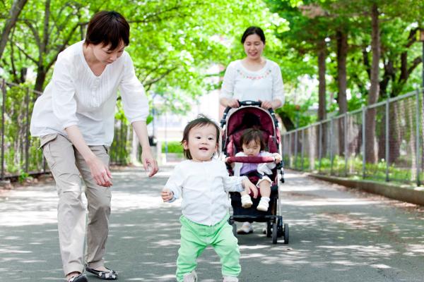 赤ちゃんの人見知りは、いつから?5つの情報